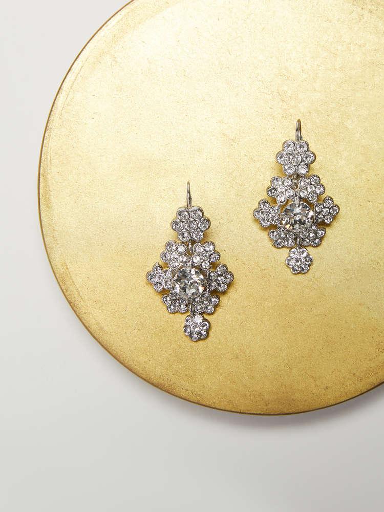 Rhinestone flower-shaped earrings