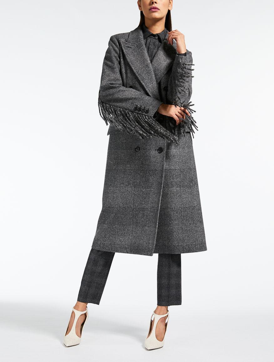 Abrigo de fieltro de lana