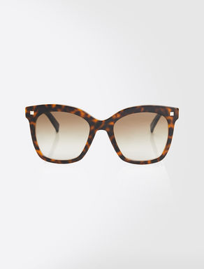 Oversized square sunglasses