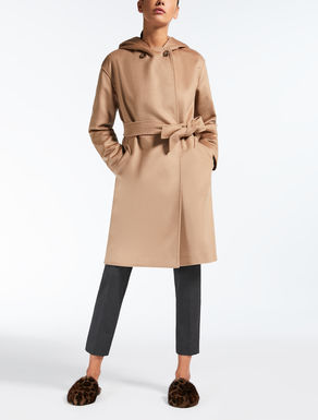 Manteau court en laine