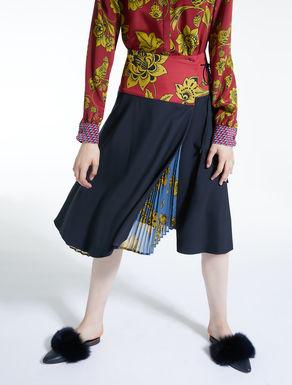 Gabardine wool skirt