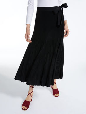 Pleated viscose skirt