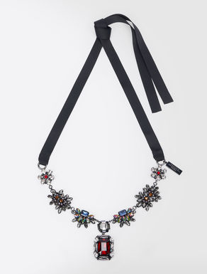 Jewel necklace with pendant