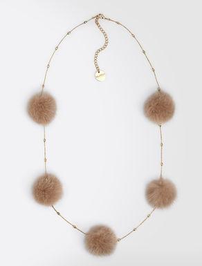 Halskette aus Metall und Nerz