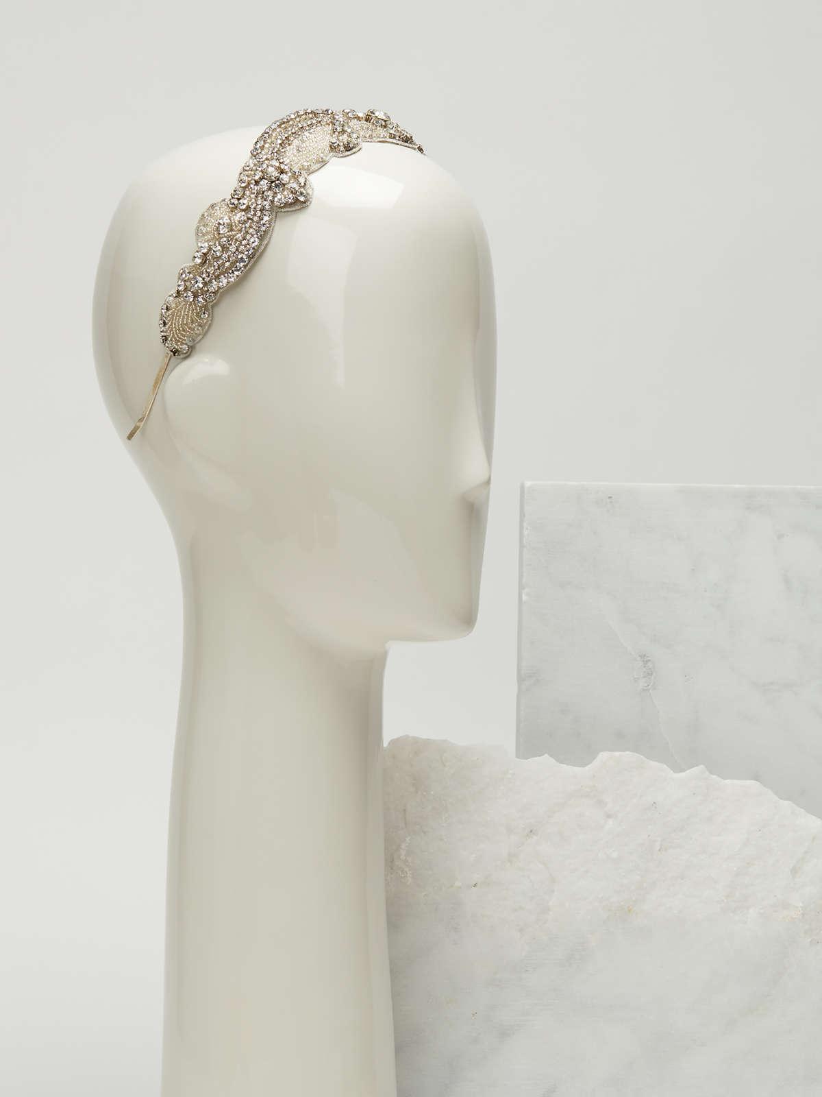 Diadema bordada con strass