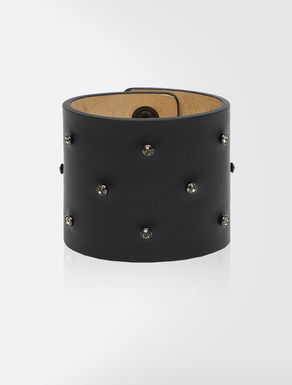 Leather bracelet with gems