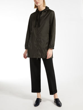 Water-repellent taffeta parka