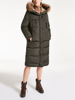 Long parka with hood