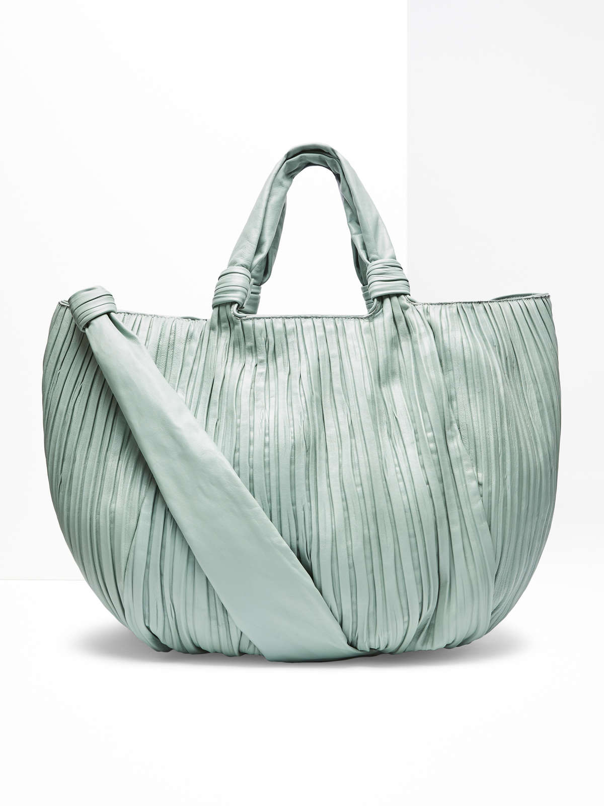 Large pleated nappa shopper