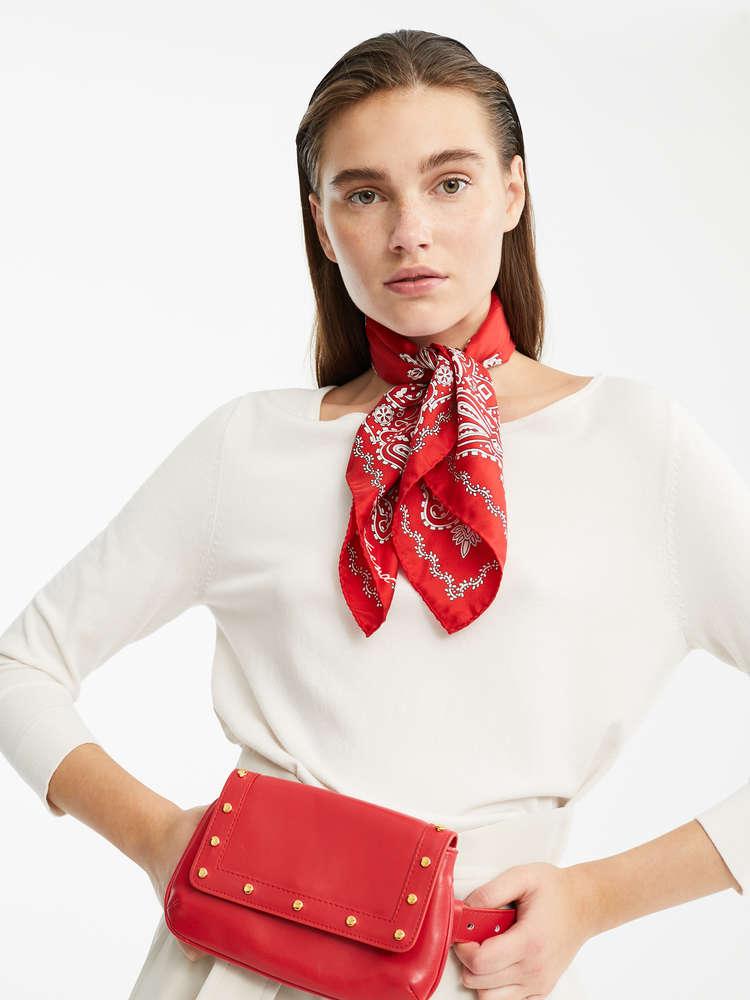 Viscose yarn jumper