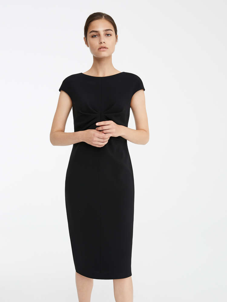 a7fb6a9e4285 Elegant Outfits and Dresses | New 2019 Collection | Max Mara