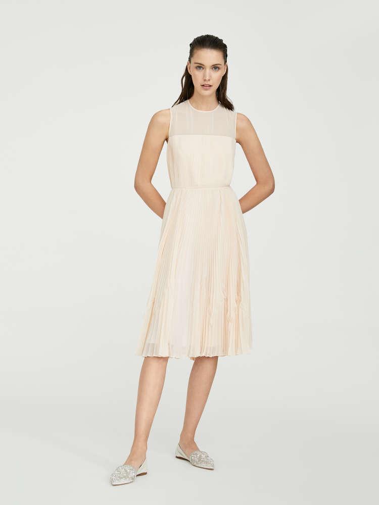 Dress in pleated georgette