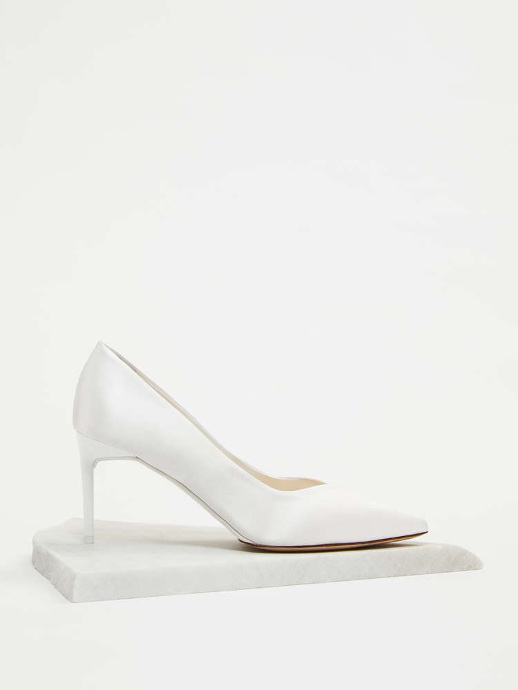 Court shoes in silk satin