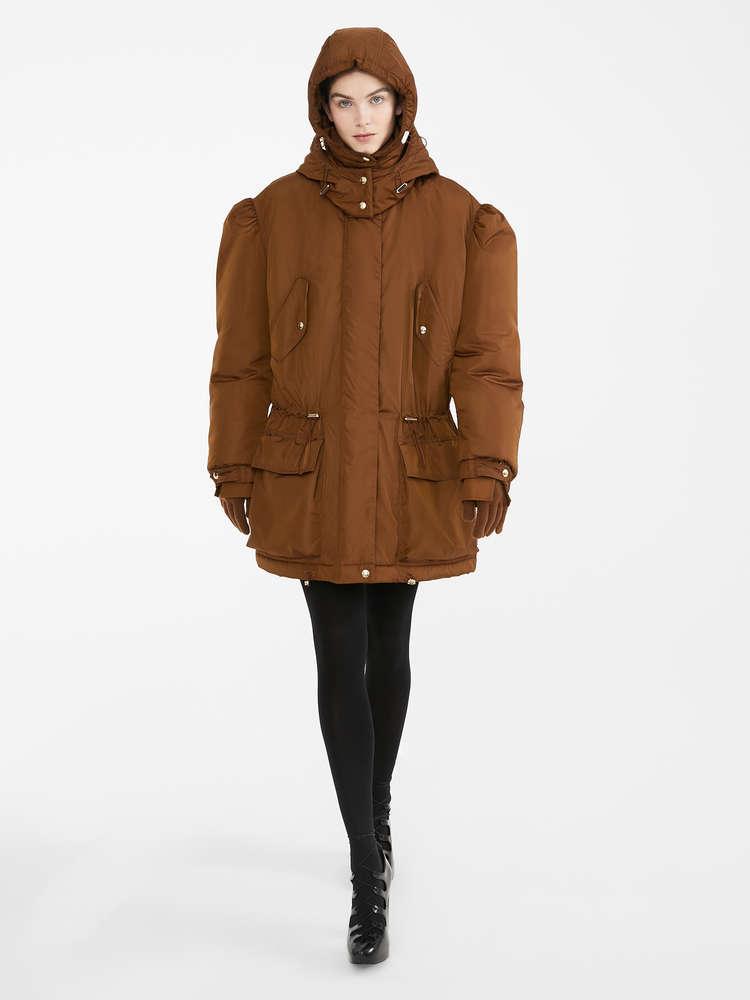 Water-resistant taffeta jacket