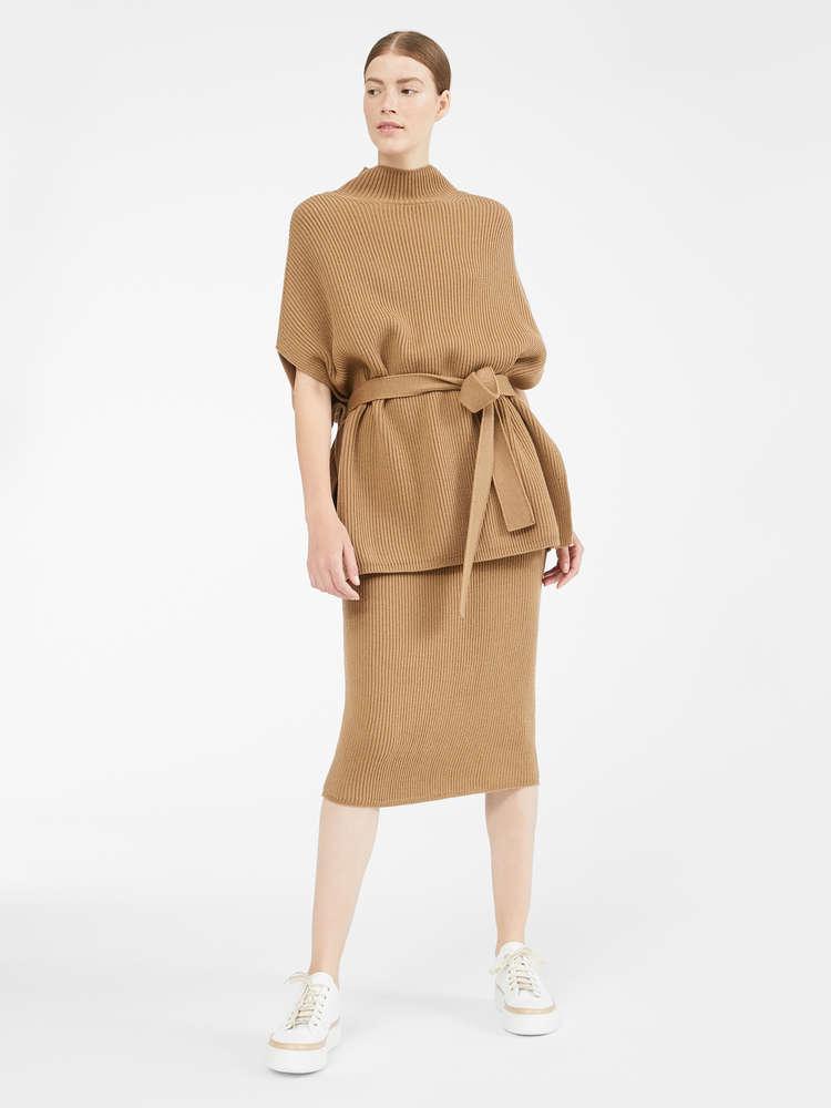Wool knit skirt