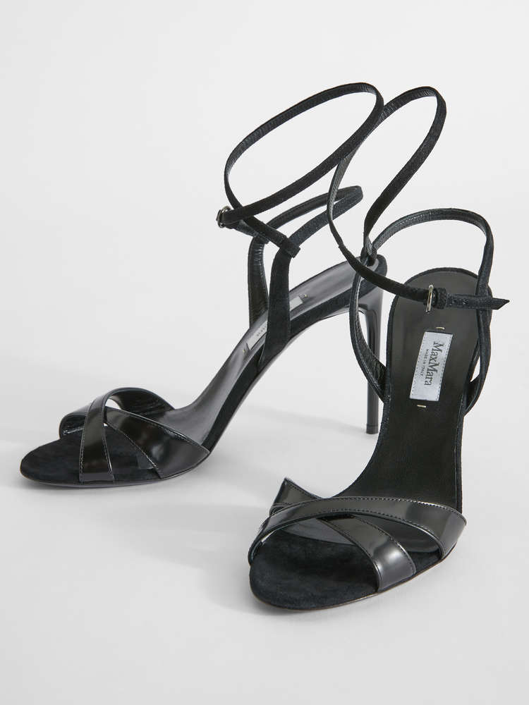 Polished leather sandals