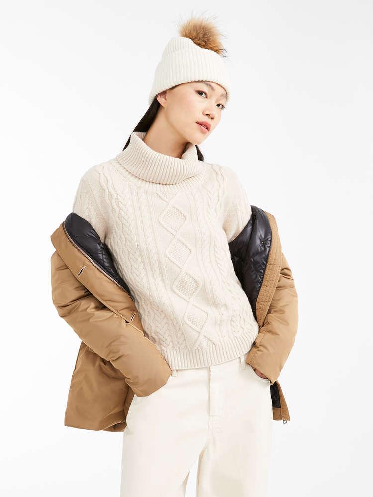 Pullover aus Wollgarn