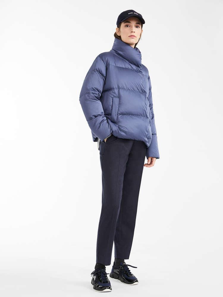 Water-repellent satin coat