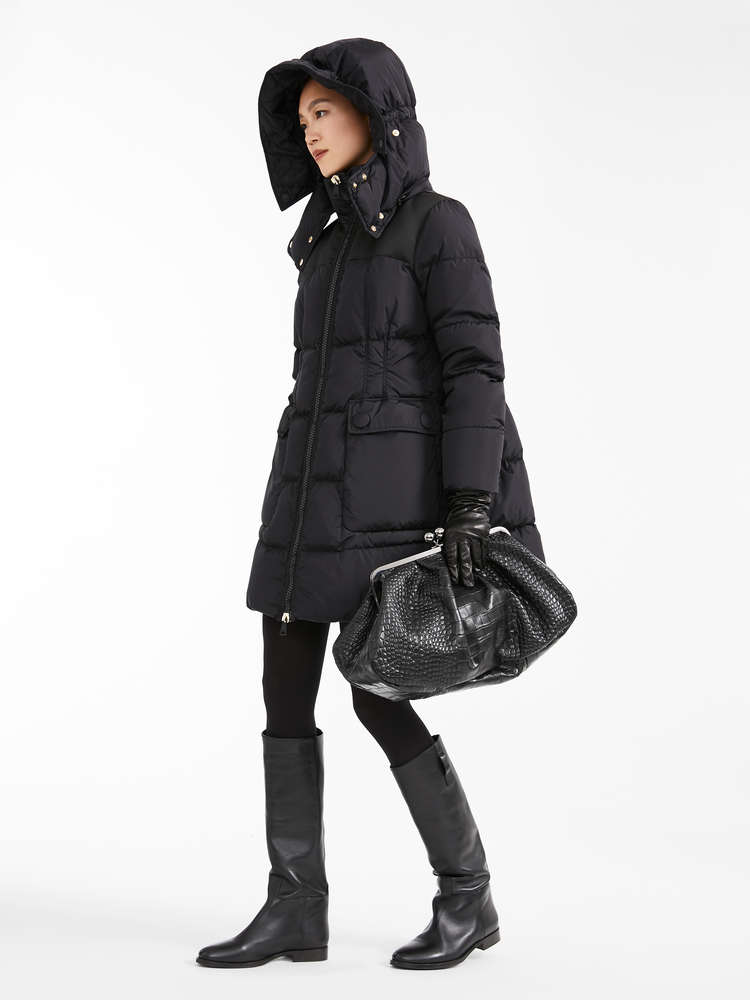Water-repellent taffeta down coat