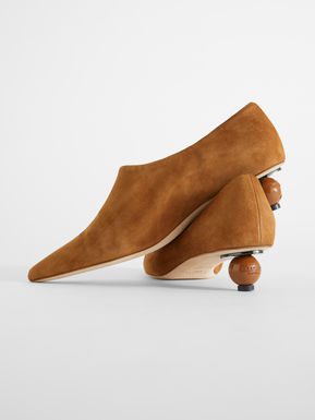 Suede leather courts