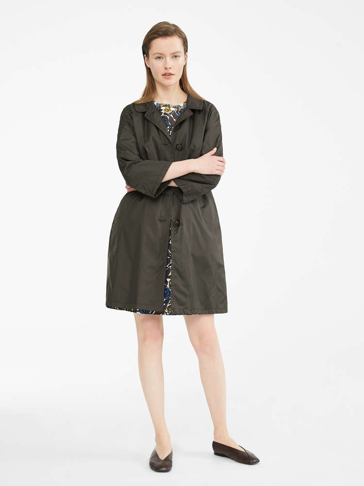Water-resistant taffeta trench coat