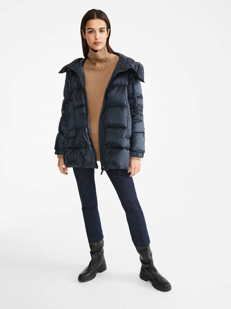 Water-resistant fabric down jacket