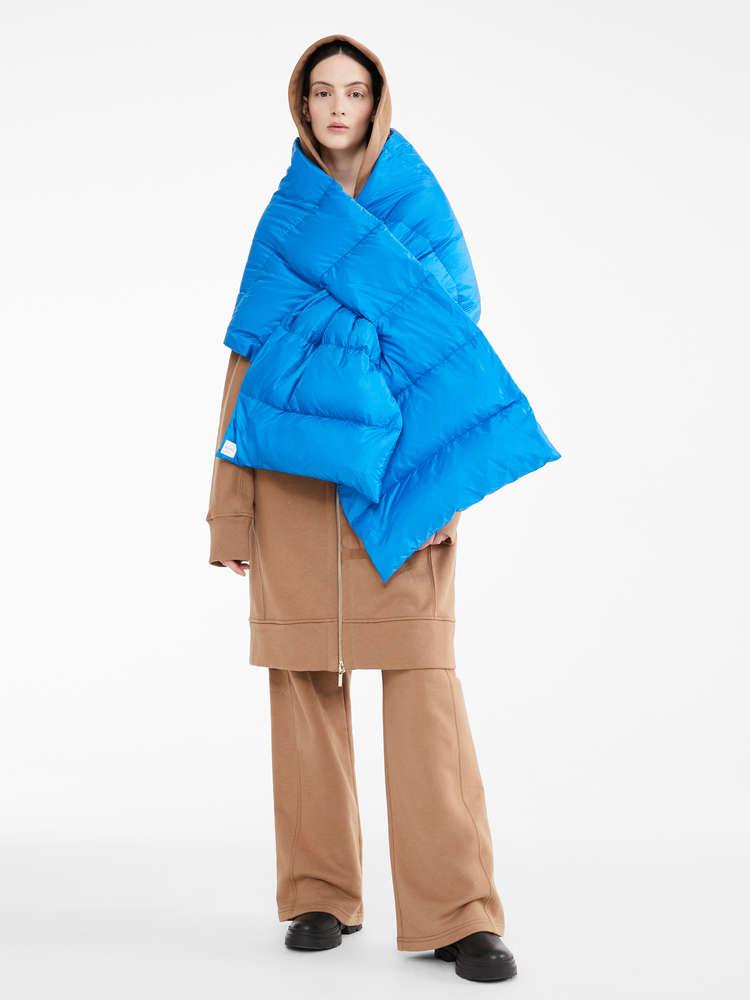 Water-resistant scarf