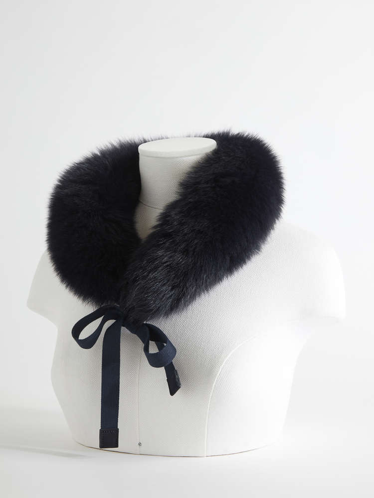 Fox fur hood trim