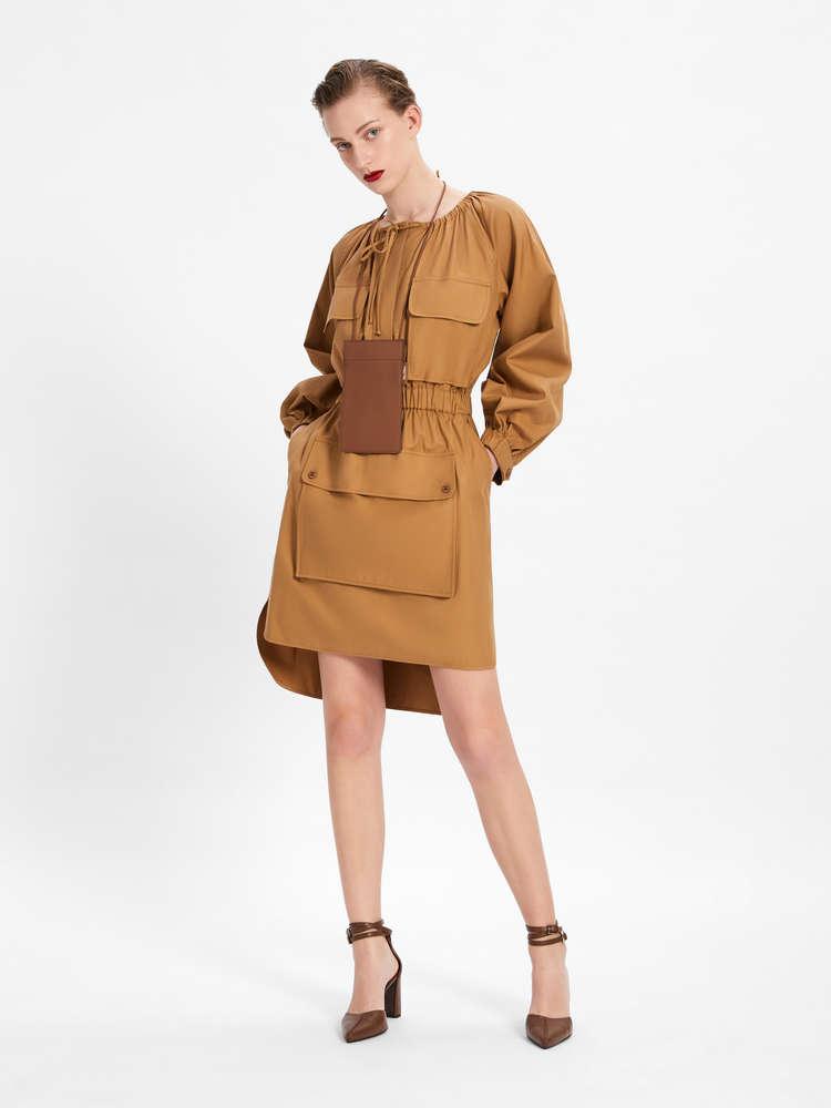 Kleid aus Baumwolltwill