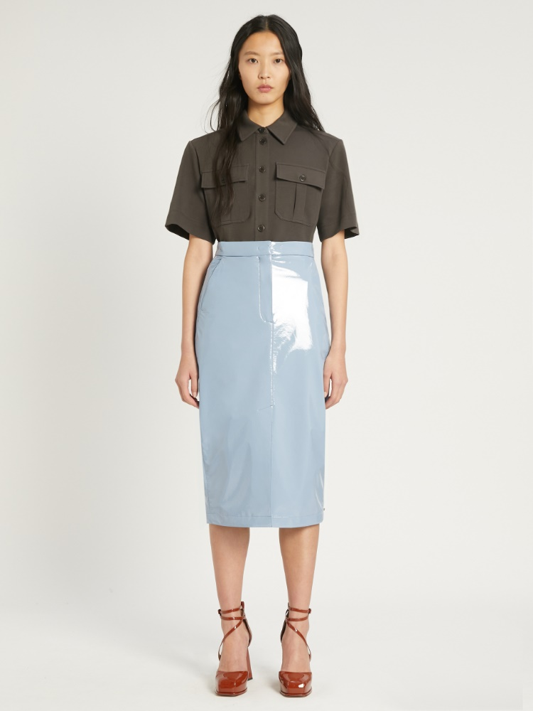 Falda de tubo en charol