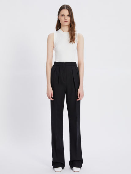 Relaxed-fit pleated trousers