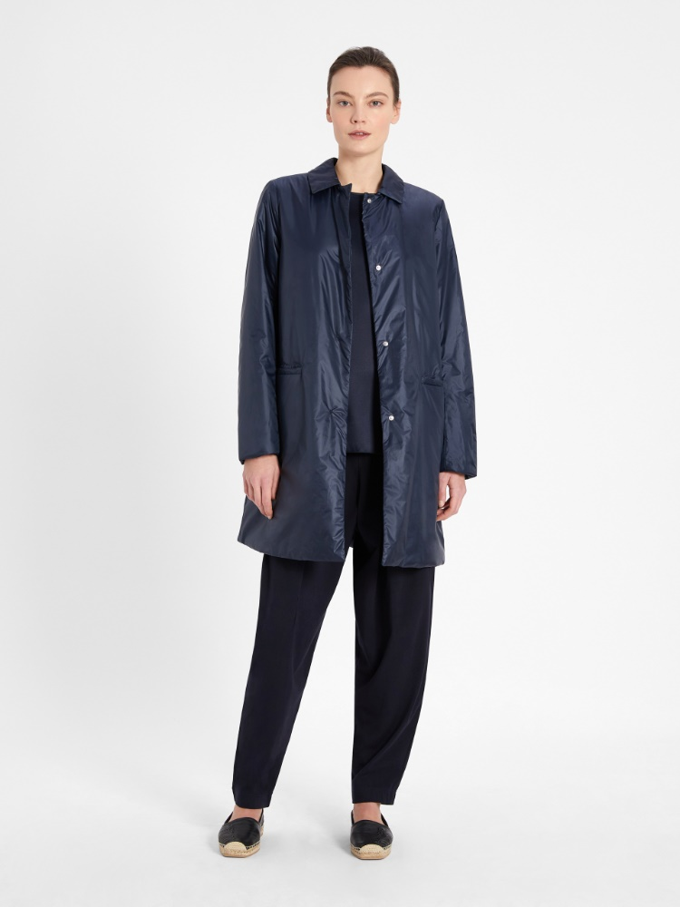 Raincoat in water-resistant fabric