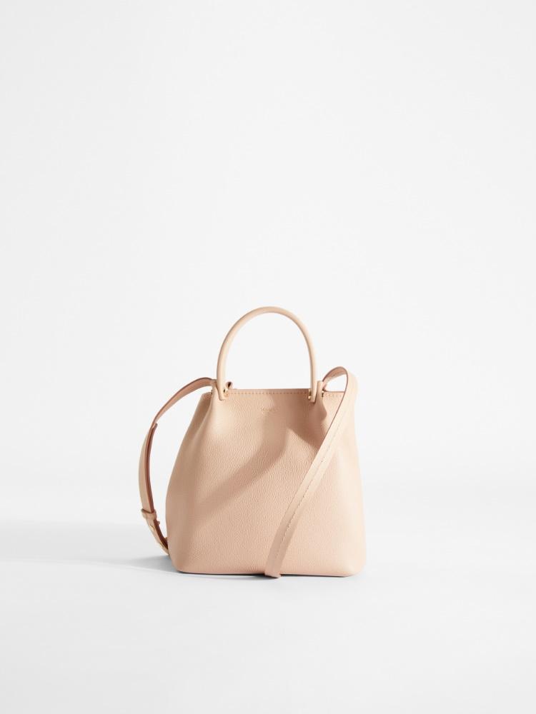 Shoulder bag in leather