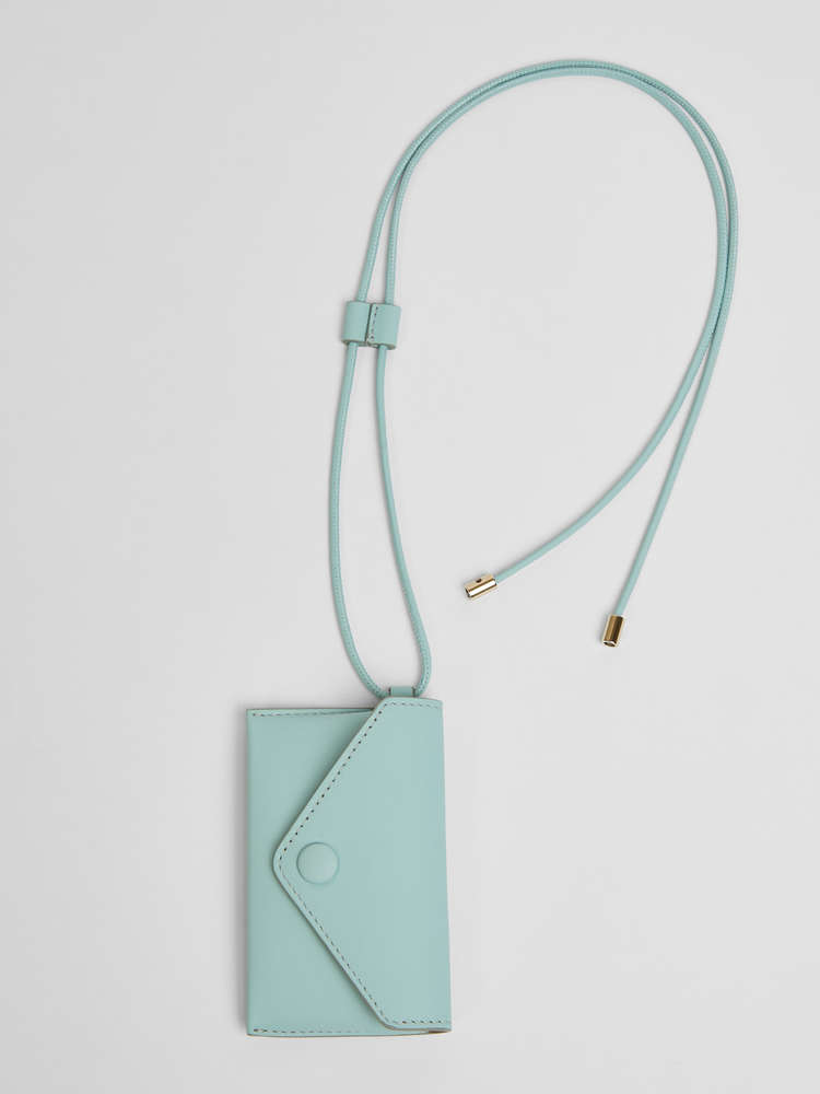 Long necklace with clutch bag