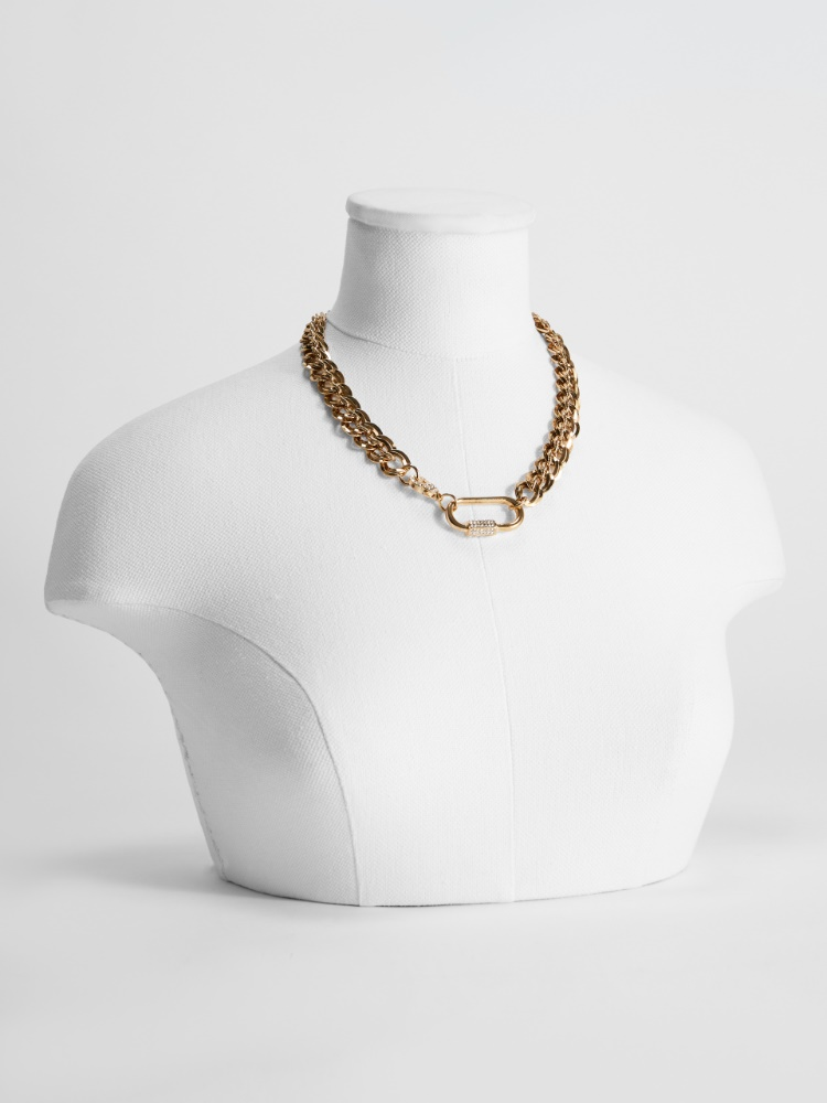 Chain necklace with snap-hook clasp