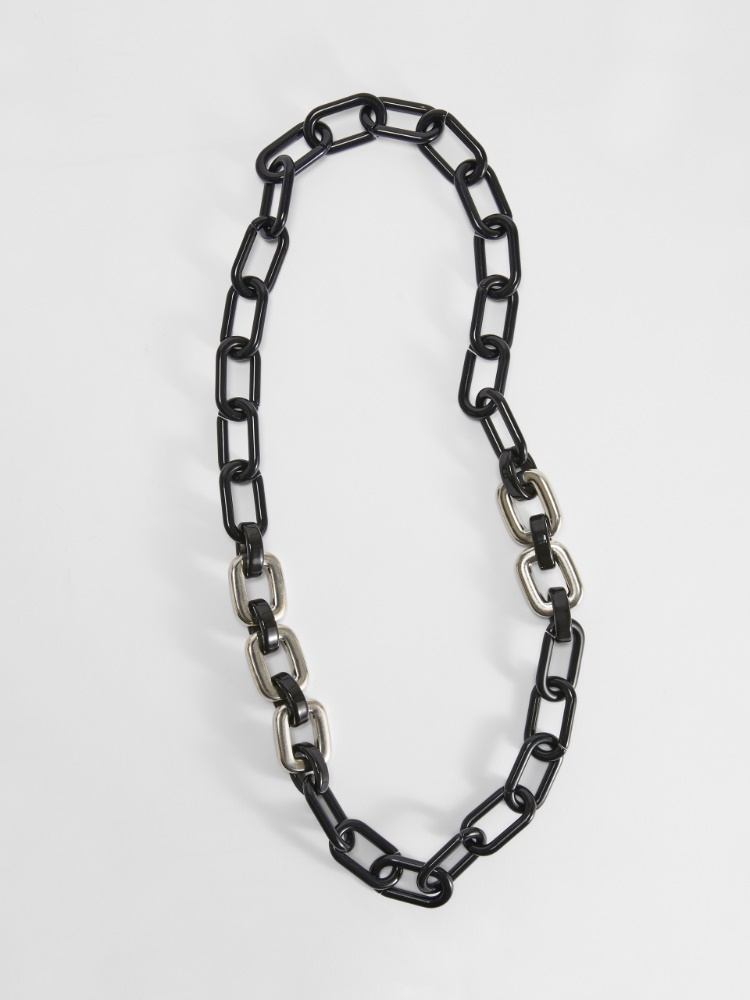 Two-tone resin chain necklace
