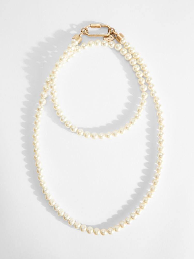 Long necklace with beads