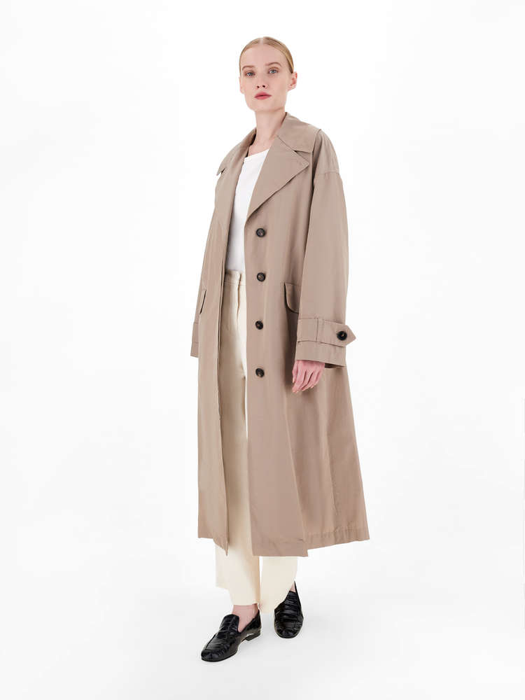 Water-repellent trench coat in technical cotton taffeta fabric