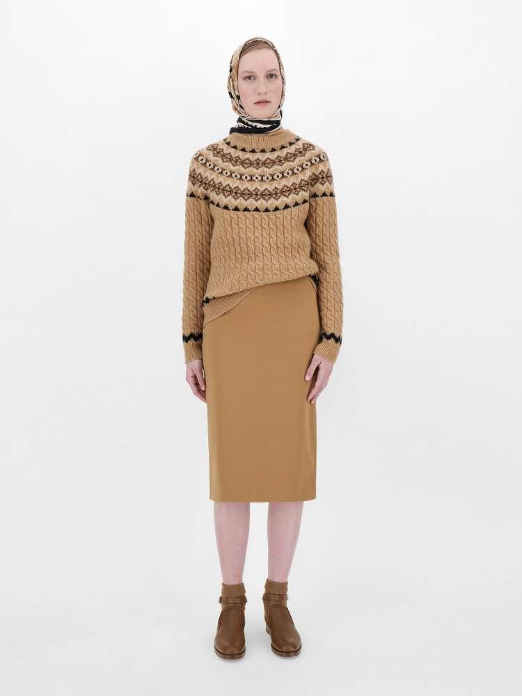 Camel yarn jumper