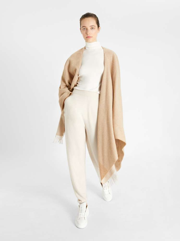 Cashmere knit trousers
