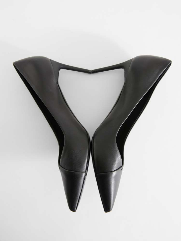 Court shoes in nappa leather
