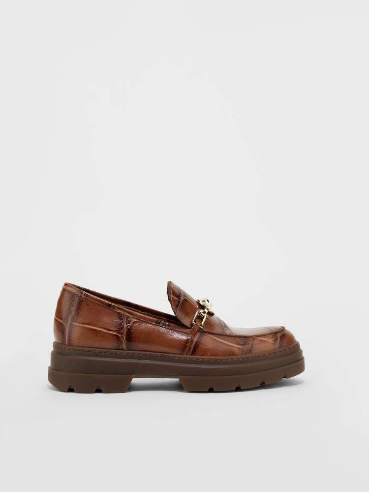 Crocodile-print leather loafer