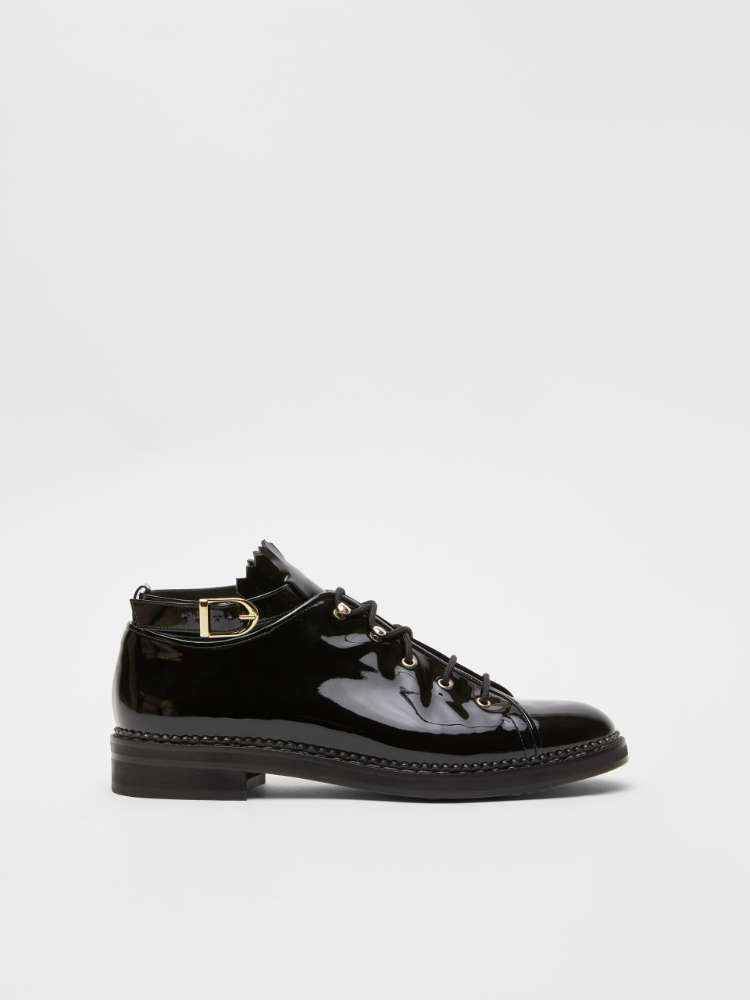 Patent leather lace-ups