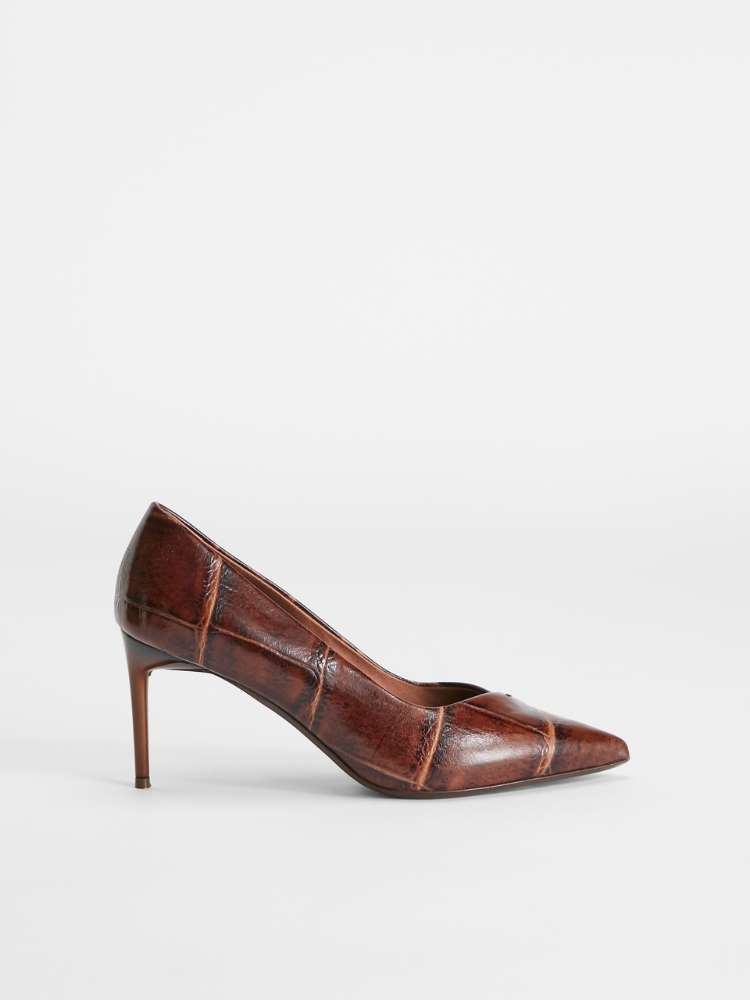 Crocodile-print leather court shoes
