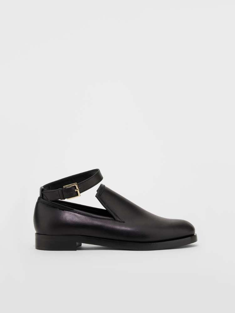 Smooth leather loafer