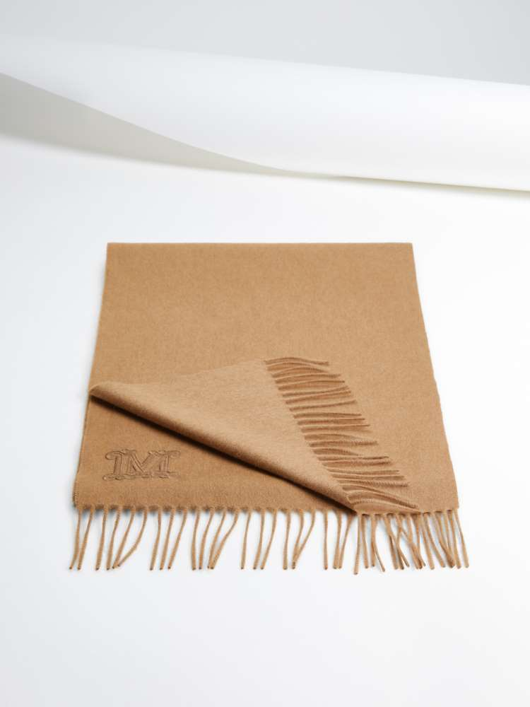 Camel scarf