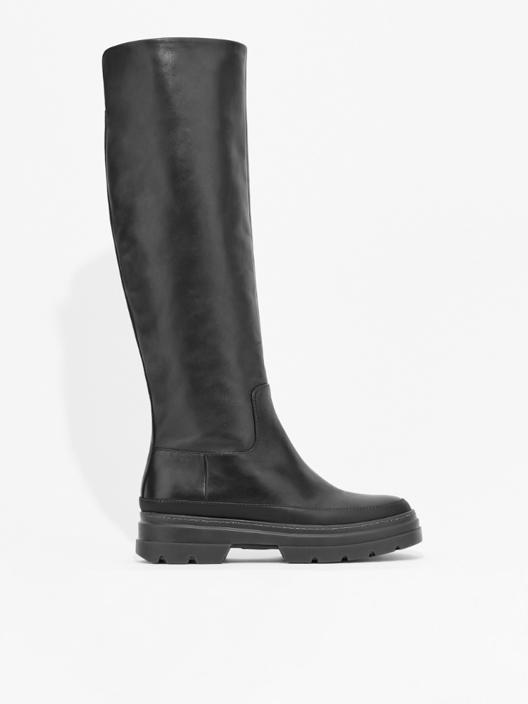 Smooth leather boot