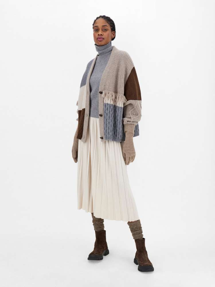 Pleated wool and viscose skirt