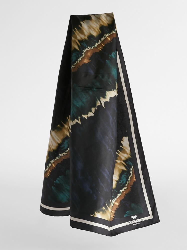 Carrè in printed silk