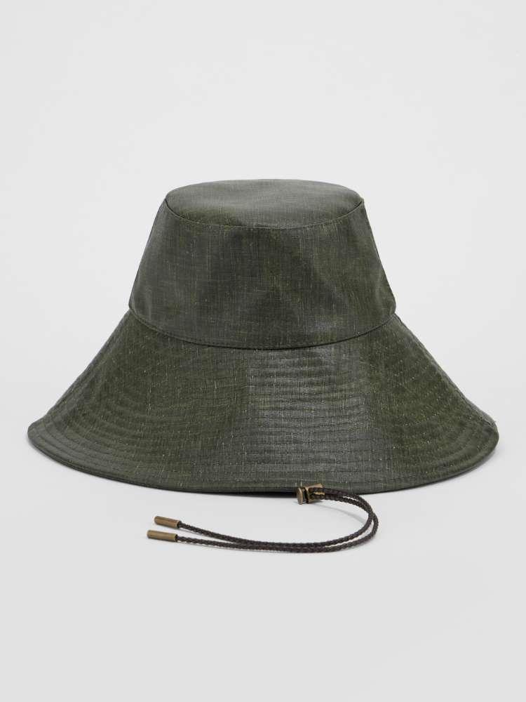 Sandblasted waxed fabric hat